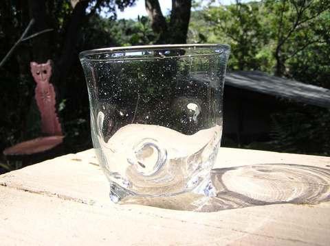 三つ足グラス